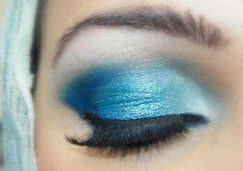 Синий макияж