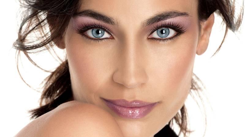 Как правильно сделать макияж для серых глаз