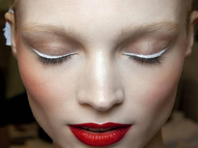 Элегантный белый макияж