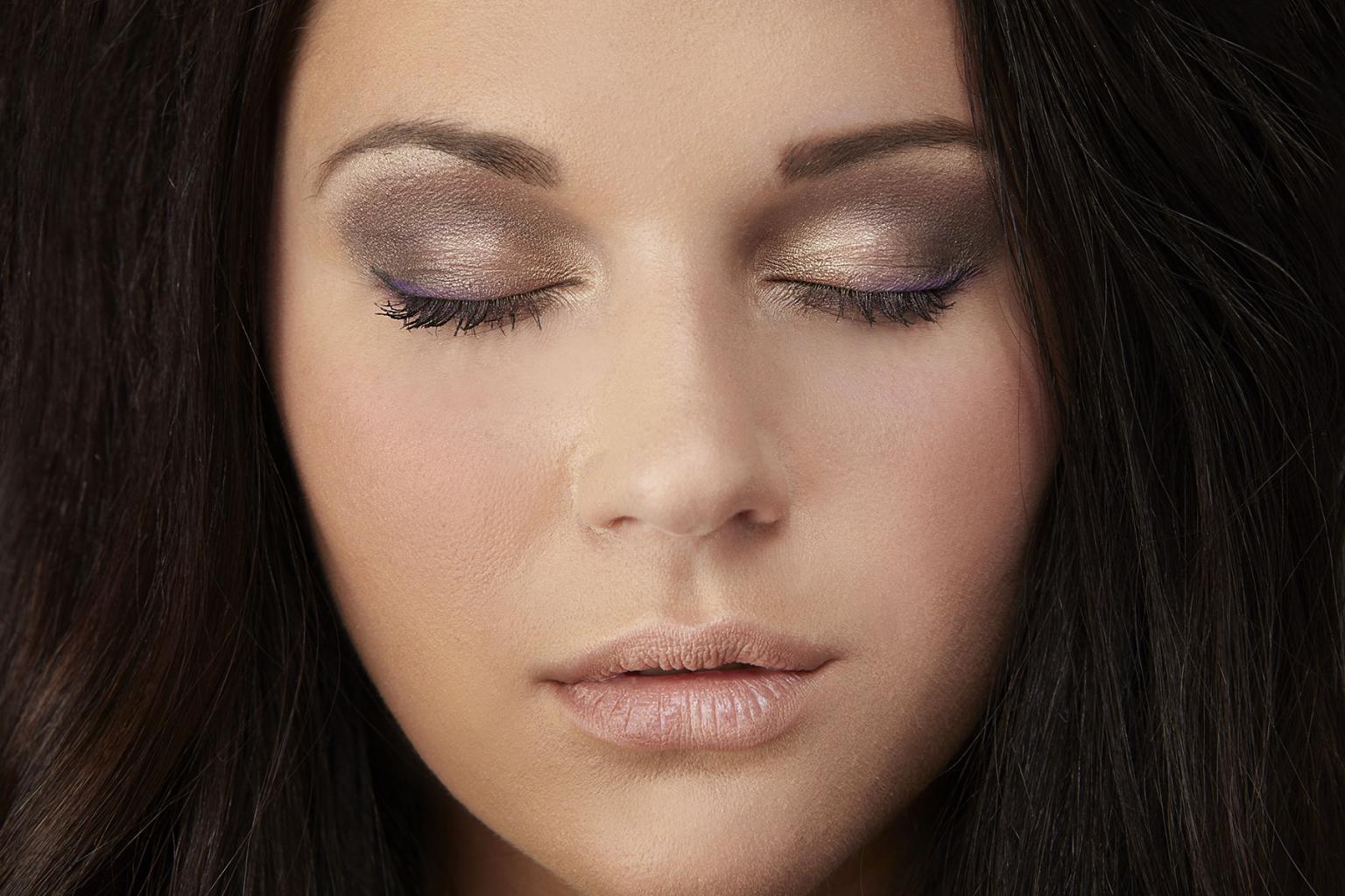 пример макияжа для зеленых глаз