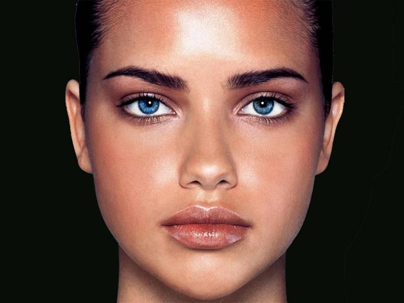 Фото самые красивые голубые глаза