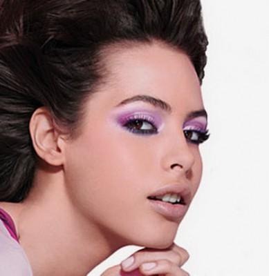 сиреневый макияж глаз для брюнетки