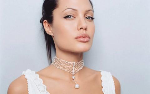 Вечерний макияж под белое платье