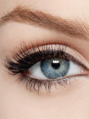 тушь для ресниц в макияже глаз